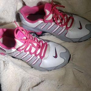 Nike Shox size 6 youth